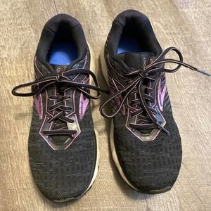 Brooks Ghost 12 Black and Pink 10.5 Shoes